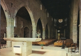 AIGUES-MORTES - INTERIEUR DE L'EGLISE - NV